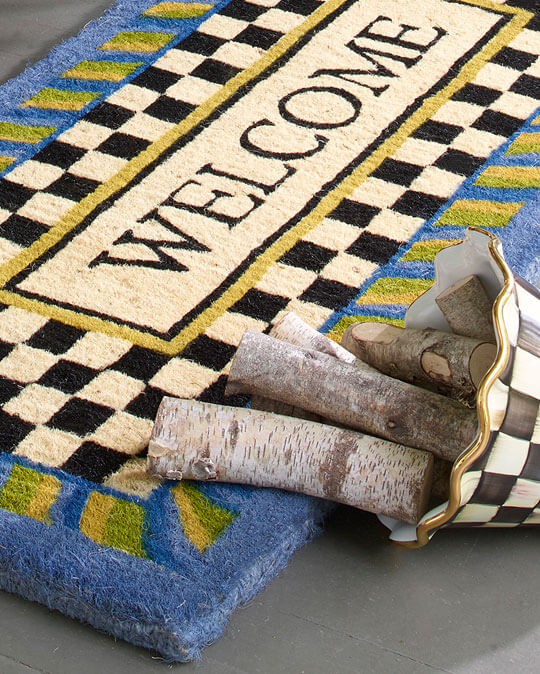 There's no second chance at a first impression, so make yours count! Greet your guests with a beautifully detailed, natural entrance mat.